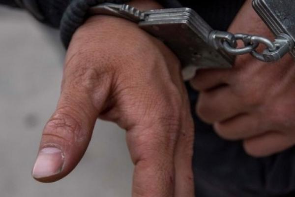 Рівненський апеляційний суд поміняв жителю Вараша електронний браслет на кайданки