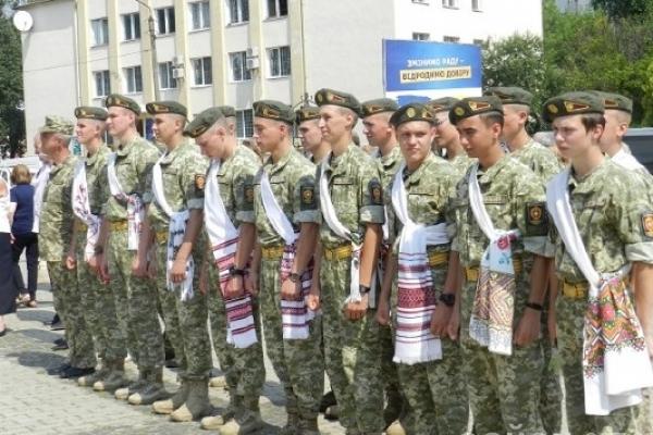 Як курсанти Острозького військового ліцею прощалися з альма-матер