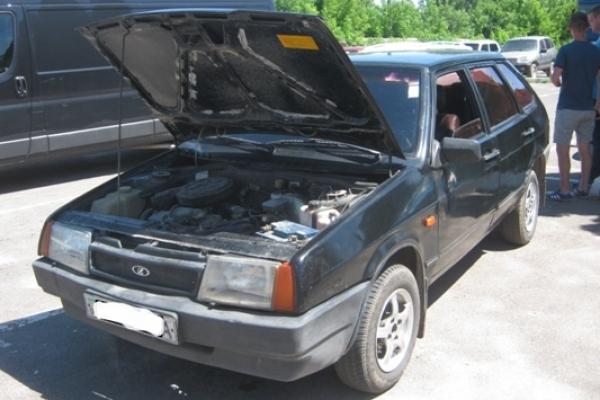 У Дубні жінка придбала автівку з перебитим двигуном