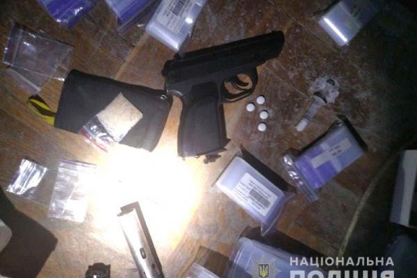 Нарколабораторію у Рівному викрили оперативники (Фото)