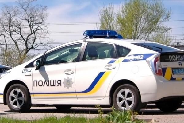 Три в одному: на Костопільщині виявили іномарку з підробленими документами