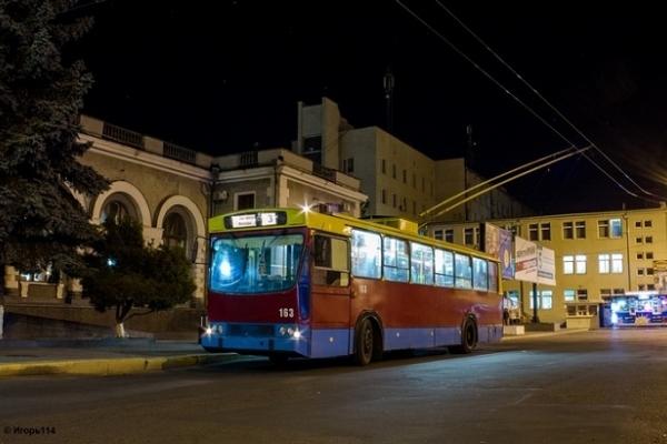 У Рівному знімуть з маршруту нічний тролейбус