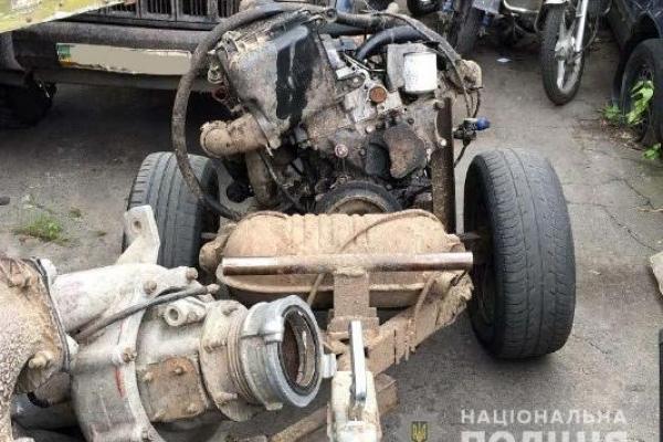 Мотопомпу та позашляховик вилучили поліцейські у Рокитнівському районі на Поліссі