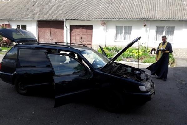В зону ООС відправлять авто, освячене у Свято-Миколаївському чоловічому монастирі на Дубенщині