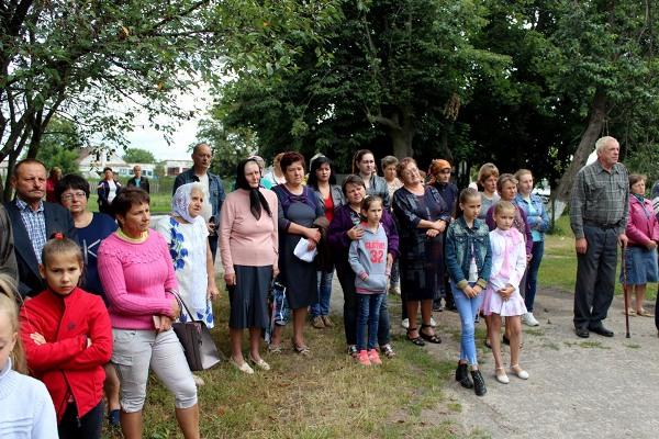 У Війниці на Млинівщині освятили меморіальну дошку Руслану Кондратюку