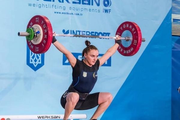 Рівненська важкоатлетка встановила 5 рекордів України