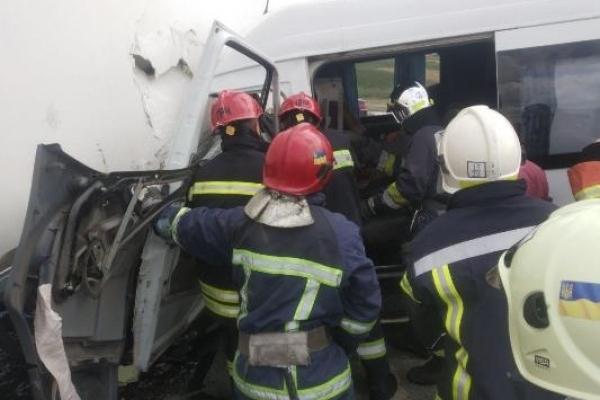 ДТП в Корнині на Рівненщині: постраждав водій мікроавтобуса