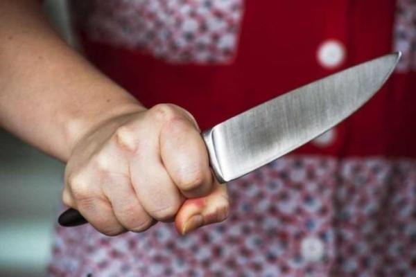 У Рокитному жінка під час сварки вдарила чоловіка ножем у живіт