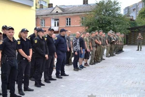 Затримання особи під час втечі із залу суду відпрацьовували поліцейські конвойної служби та нацгвардійці
