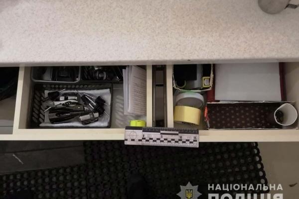 Поліцейські затримали раніше судимого рівнянина за вчинення крадіжки із ресторану та закладу культури (Фото)