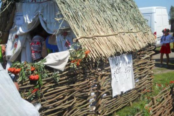 На Рівненщині відбудеться фестиваль-конкурс «І творчістю хата багата»