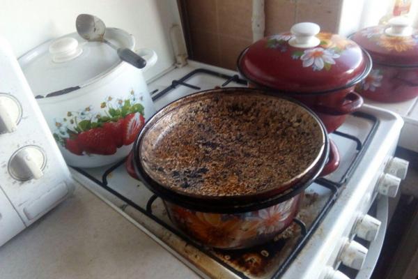 У Рівному через підгоряння їжі ледве не згоріла квартира