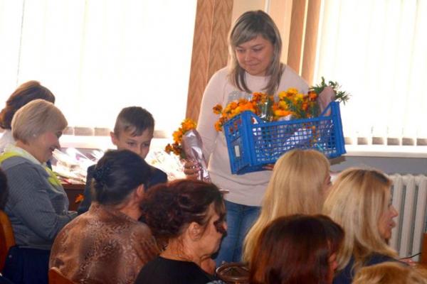 Для педагогів із інвалідністю влаштували «Свято із запахом чорнобривців» (Фото)
