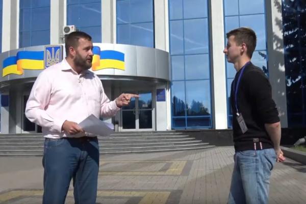 У Рівному під стінами СБУ протестували проти «формули Штайнмаєра» (Відео)