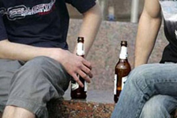 Понад 4 тисячі правопорушень щодо розпиття алкогольних напоїв зафіксували рівненські патрульні