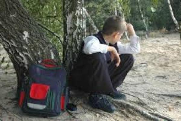 На Рівненщині відслідковують дітей, які пропускають уроки