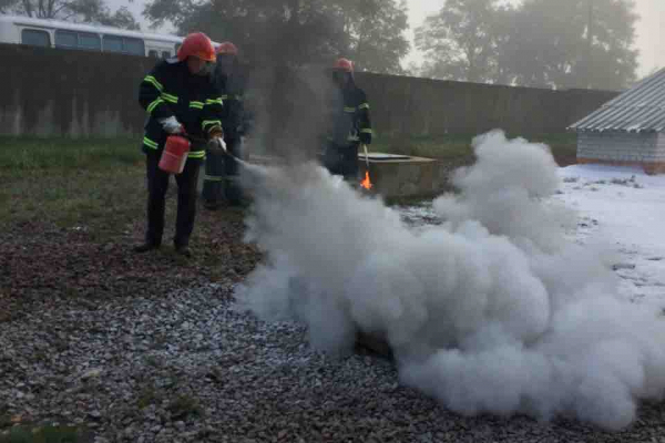 Рятувальники з охорони РАЕС провели заняття своїм працівникам