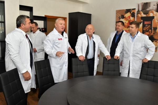 Рівненські посадовці привітали працівників харчової промисловості