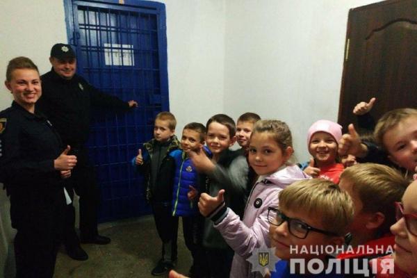 На Рівненщині школярів ознайомили з роботою правоохоронців