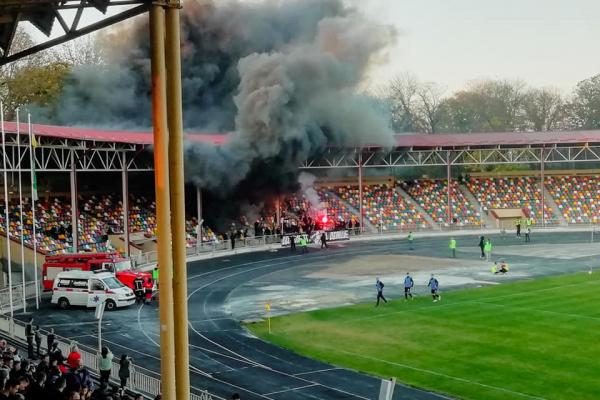 Фанати «Вереса» понищили майно Тернопільського стадіону (Фото)