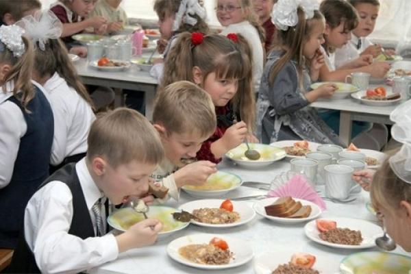 На Рівненщині питання шкільного харчування залишається відкритим