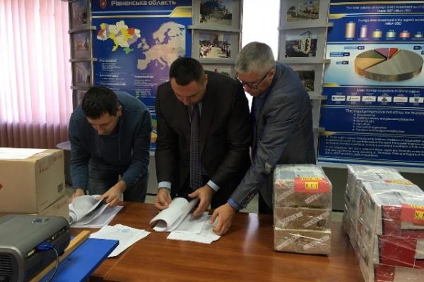 Три будівельні компанії з Рівного, Вінниці та Житомира реконструюють 43 амбулаторії