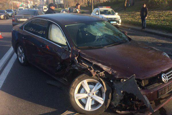 У Рівному водій напідпитку протаранив поліцейську автівку (Фото)
