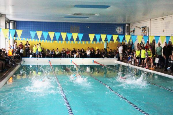 У Рівному відбувся дитячий чемпіонат із плавання