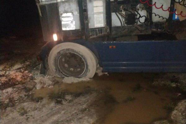 Рівненські рятувальники буксирували автомобіль