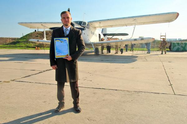 Придбаний у Рівному літак подарували миколаївським військовослужбовцям