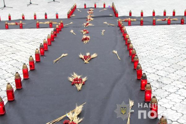 Поліцейські Рівненщини вшанували пам'ять жертв Голодоморів (Фото)