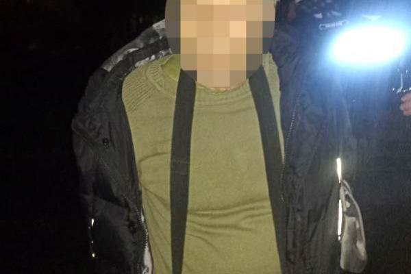 У Рівному чоловік погрожував підірвати себе та поліцейських (Фото, відео)