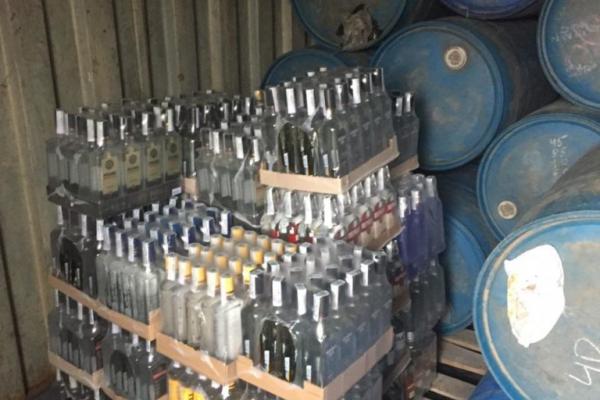 На Рівненщині викрили виробництво фальсифікованих лікеро-горілчаних напоїв