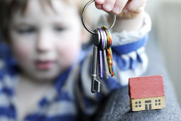 Сироти з Рівненщини отримають житло