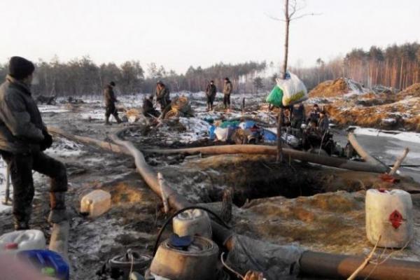Представники влади обіцяють легалізувати видобуток бурштину на Рівненщині