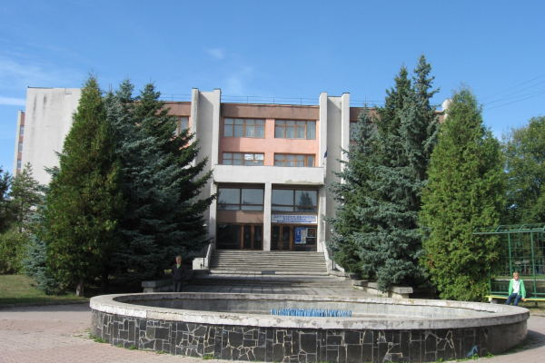 Рівненська обласна універсальна наукова бібліотека запрошує відвідати культурні заходи