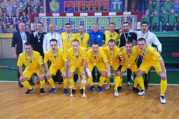 Команди «Рівнестандарт ДЮСШ-4» та «Поліська Січ» пробилися до фіналу Кубку міського голови Рівного з футзалу