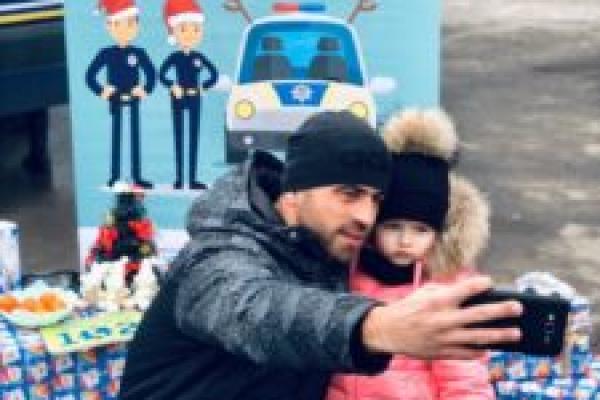На Різдво діти та їх батьки поспілкувалися з рівненськими правоохоронцями (Фото)