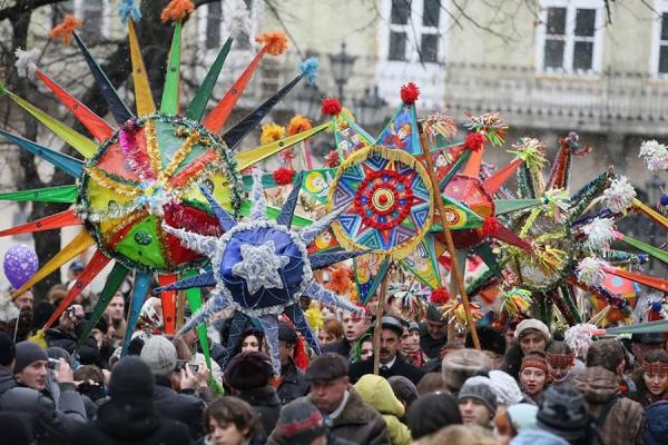У Рівному два дні триватиме загальноміський фестиваль вуличних вертепів