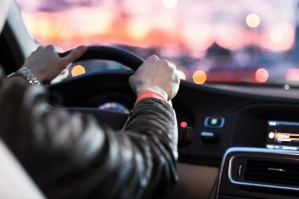 У разі порушень ПДР штраф отримає особа, яка користується автівкою, а не власник