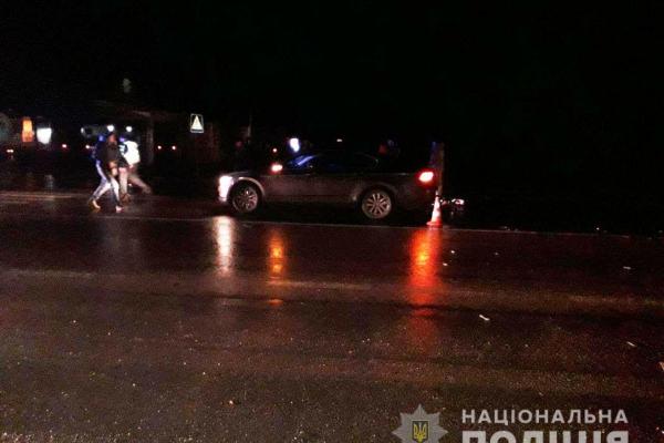 У Рівненському районі водій автомобіля «Mercedes-Benz ML» збив чоловіка на пішохідному переході (фото)