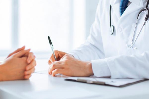 Якими пакетами безоплатних медпослуг українці користуватимуться безкоштовно?