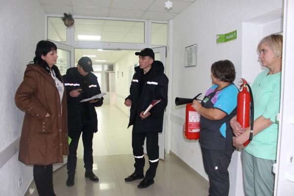 На Рівненщині рятувальники ДСНС перевіряють об'єкти соціальної сфери
