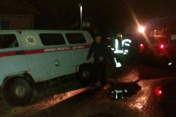 У Костополі рятувальники відбуксирували автомобіль швидкої допомоги