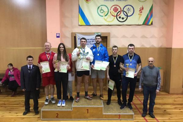 Рівненські рятувальники посіли третє місце у змаганнях із настільного тенісу