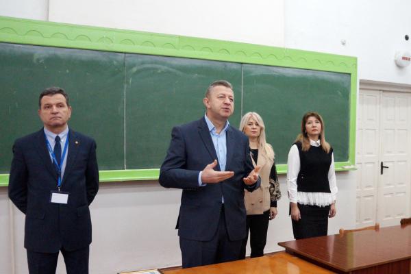 Юні науковці Рівненщини розпочали захист своїх робіт