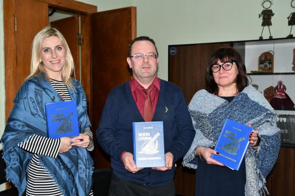 На Рівненщину передали книги Уласа Самчука із США
