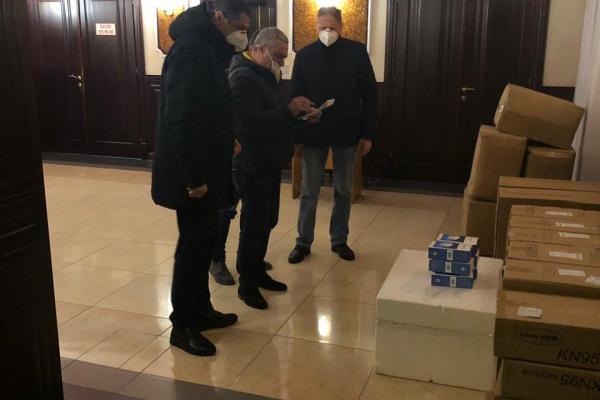 Рівненщина отримала тести ПЛР та 5000 експрес-тестів з Китаю