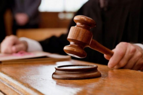 У Рівному відбудеться суд над жінкою, яка зачинила новонародженого сина у кімнаті