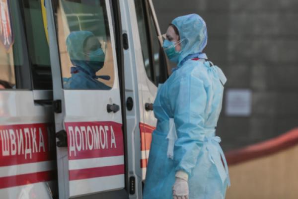 Жінка, яка на Рівненщині померла від коронавірусу, займалася самолікуванням
